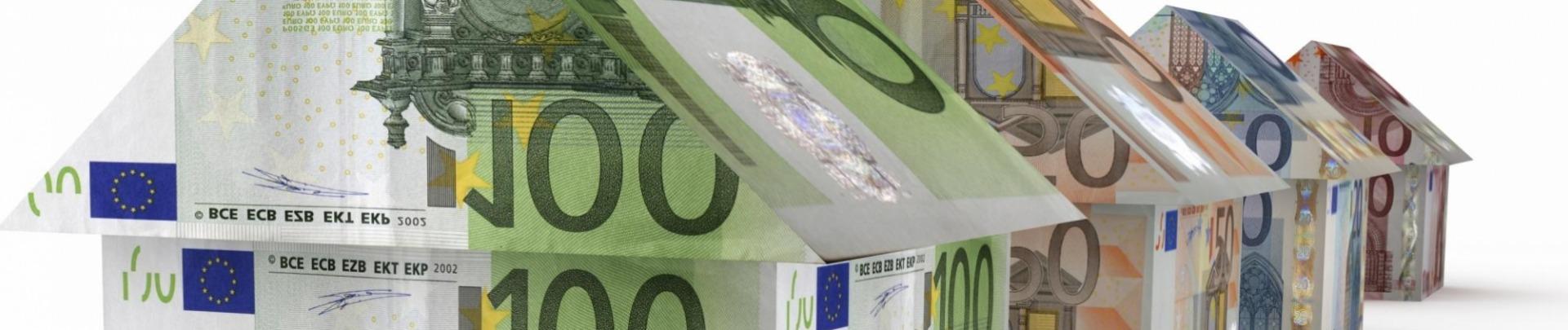 Huisje van 100 euro biljetten